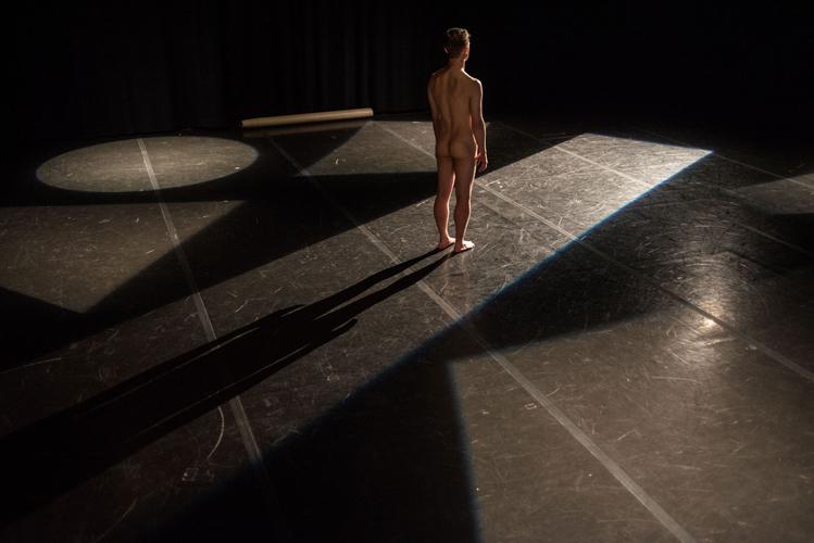 Com Dans Foto Web Koen De Preter Dancing 5 © Bart Grietens